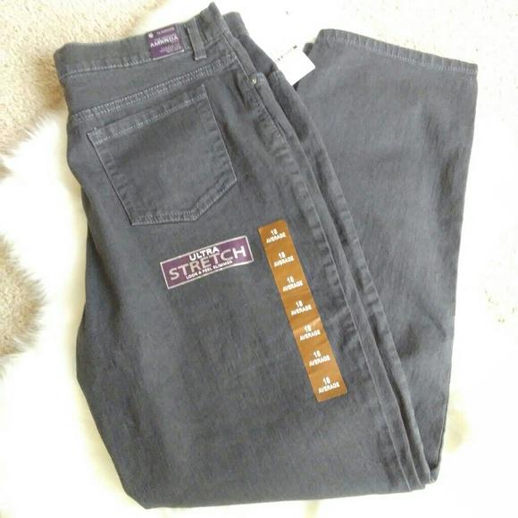 fe8bafc0aa8 NWT Plus Size GLORIA VANDERBILT Amanda Jeans